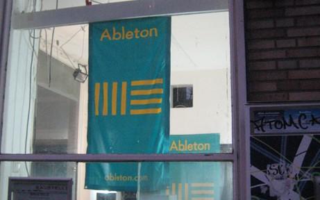 http://www.ableton-unterricht.de/wp-content/uploads/2014/12/IMG_8708_s-461x288.jpg